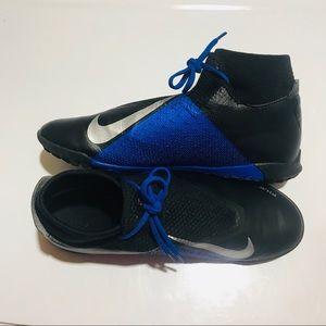 Nike Phantom Vision Indoor Turf Soccer Shoes